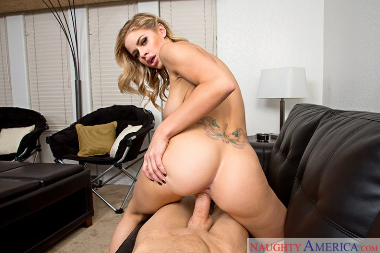 Jessa Rhodes In Pornstar Girlfriend VR Porn