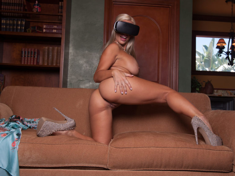 Savannah Lace & Magic Mike VR Porn